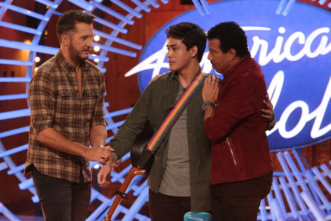 College student Francisco Martin (center) needed help from judges Luke Bryan and Lionel Richie on 'American Idol.'