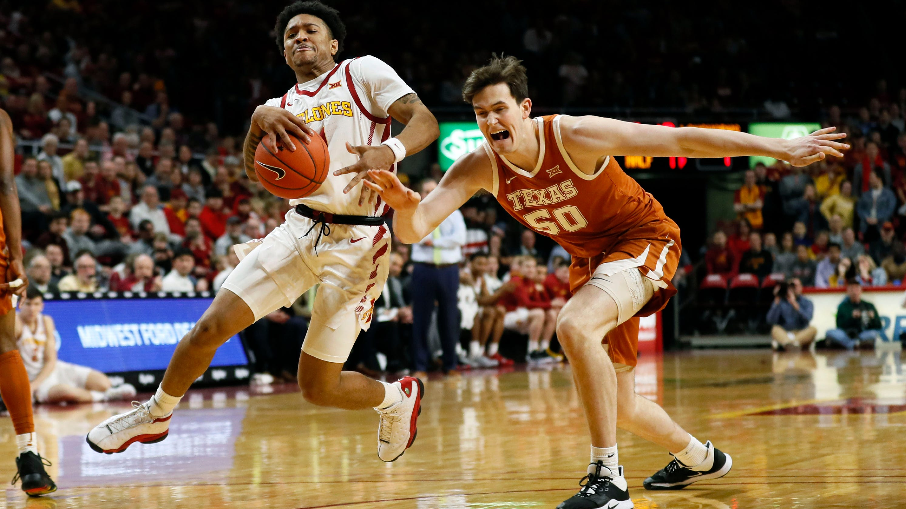 Peterson: Iowa State has confidence after 29-point crushing of Texas at Hilton Coliseum