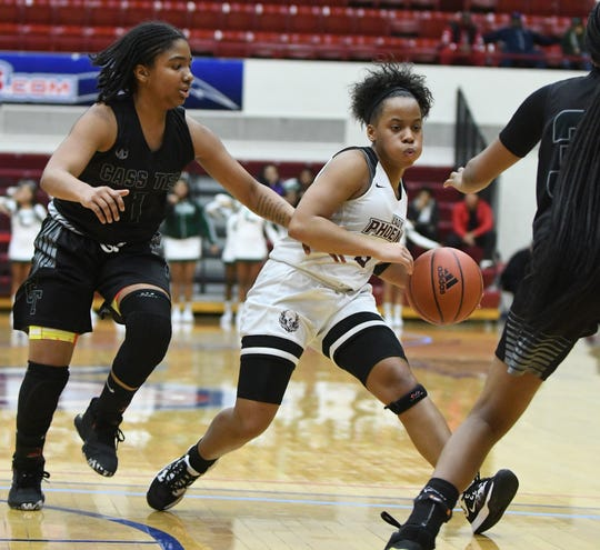 Renaissance has a star in 5-4 junior point guard Kailee Davis, who had a 40-plus point game her freshman year against perennial power Detroit King, and a strong supporting cast.