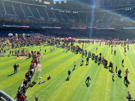 Thousands of D-backs fans fill Chase Field Saturday at the Diamondbacks 2020 Fan Fest, exactly 40 days before Opening Day.