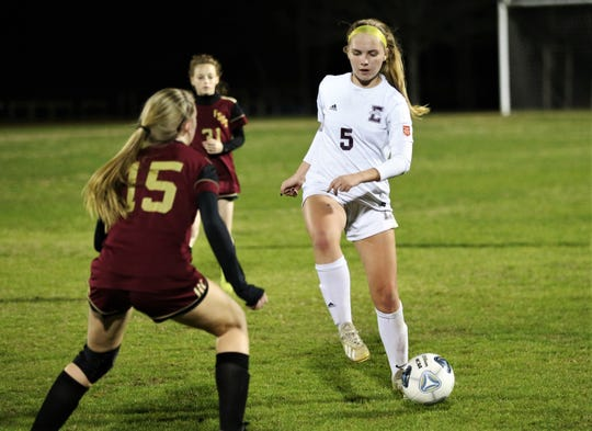 Episcopal junior Abigail Jones plays a ball as Florida High's girls soccer team fell 4-3 in double overtime to Jacksonville Episcopal during a Region 1-3A semifinal on Feb. 14, 2020.