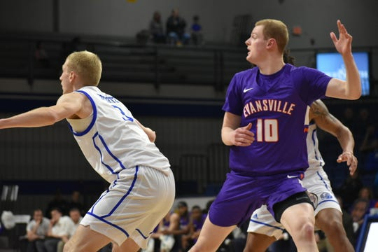 Evan Kuhlman calls for the ball during Evansville's game Sunday at Drake.