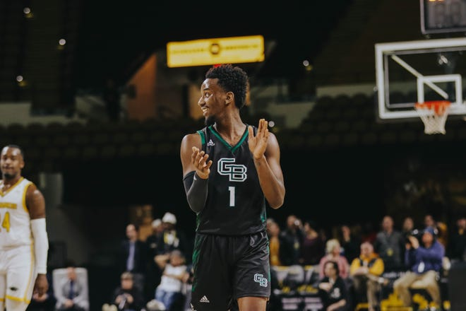 UWGB guard Amari Davis had 28 points in a 94-90 win at UW-Milwaukee on Saturday.