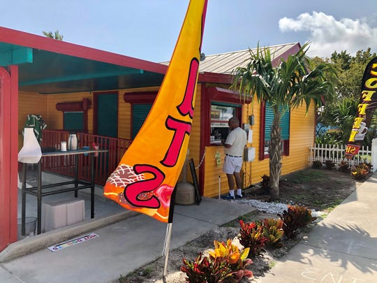 Bright yet unassuming, Off The Hook Donuts sits on the south side of Pine Island Road on Matlacha offering fried-to-order doughnuts and beignets.