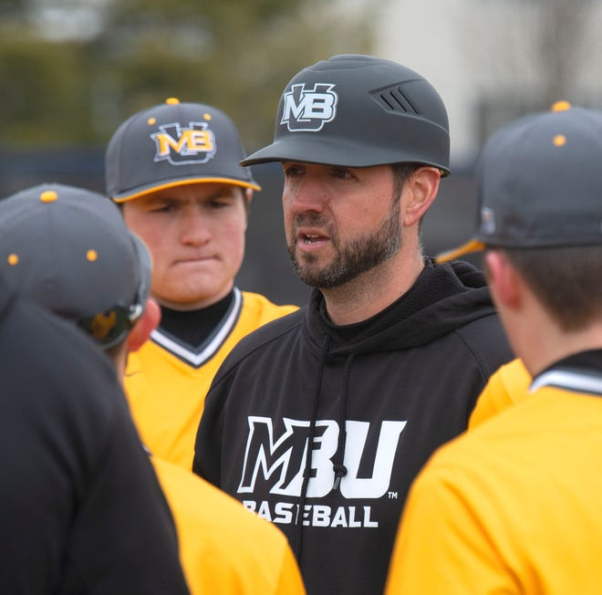 Mary Baldwin baseball among sports where spectators are limited due to COVID-19 pandemic.