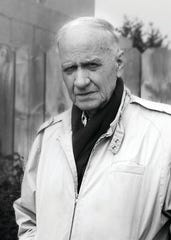 """Novelist Charles Portis, a favorite among critics and writers for such shaggy dog stories as """"Norwood"""" and """"Gringos"""" and a bounty for Hollywood whose droll, bloody Western """"True Grit"""" was a best-seller twice adapted into Oscar nominated films, died Feb. 17. Portis was 86."""