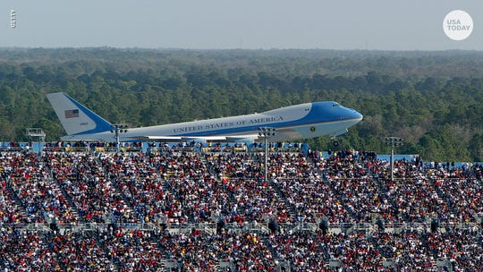 Trump's campaign manager deletes photo of Air Force One at Daytona 500 after users point out it was from 2004