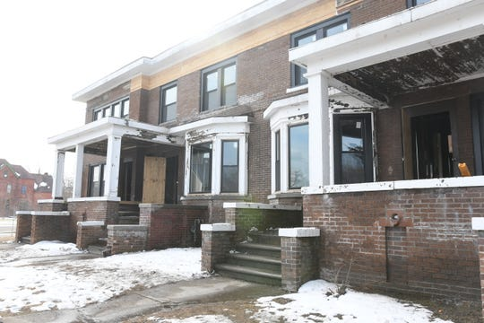 A plan for a multi-unit townhouse in Detroit's Islandview neighborhood has been delayed again.