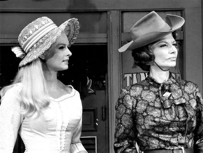 Carole Wells and Ann Sheridan in Pistols N Petticoats