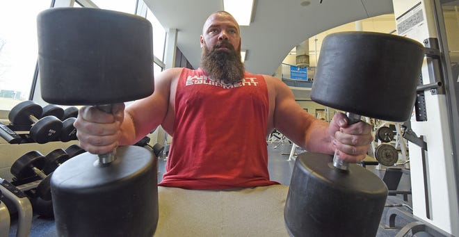 Mansfield minister Matt Trammel has earned the right to compete against some of the top professional powerlifters at the Arnold Schwarzenegger Sports Festival in Columbus.