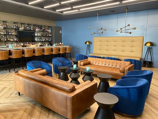 Longtime Naples friends Marty Kenney and David Ladic have opened Sidebar 505 on Fifth Avenue South.