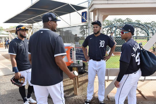 From left, the Tigers' Dawel Lugo, Ivan Nova, Dario Agrazal and Sergio Alcantara talk during a water break.
