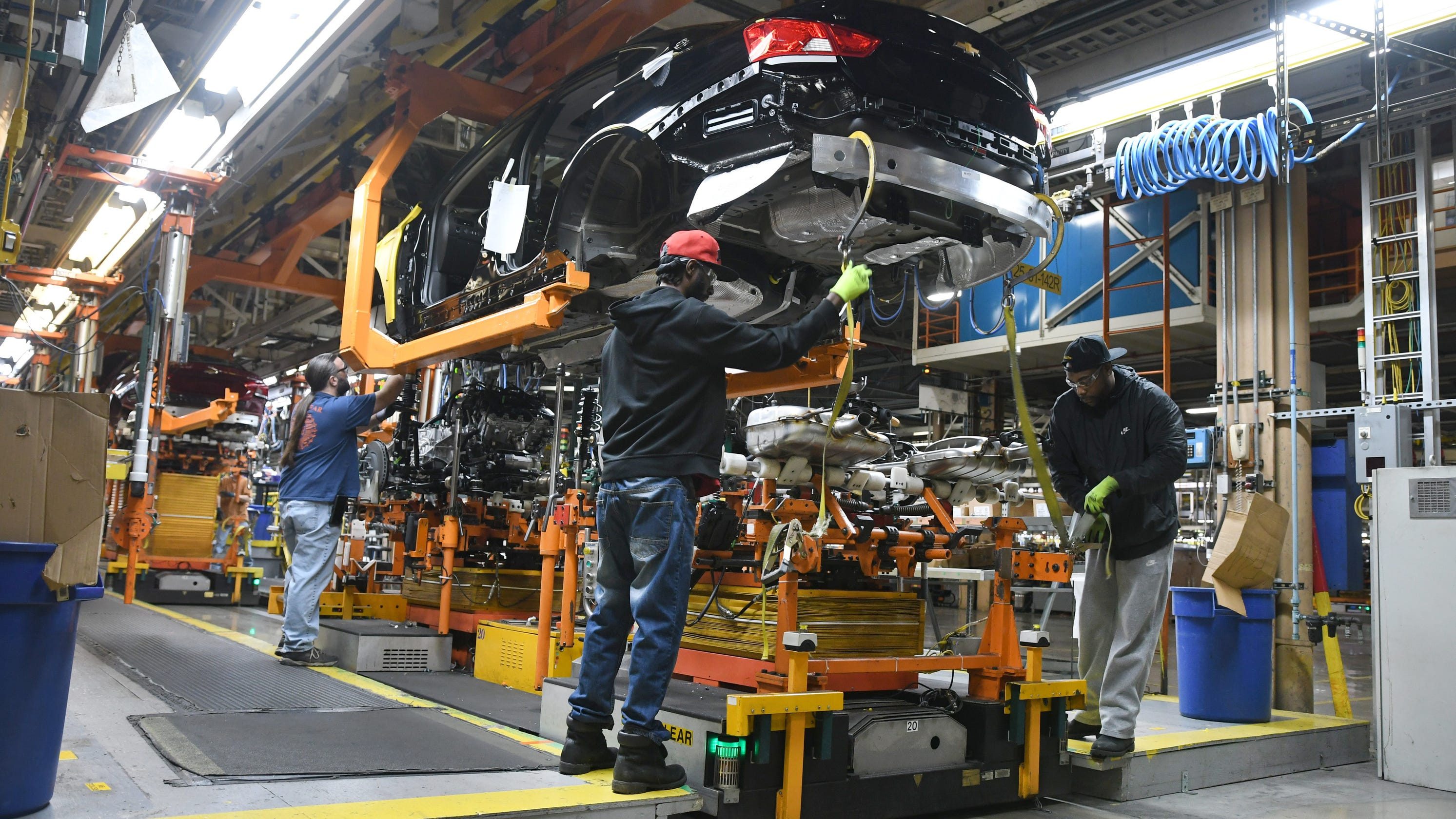 Absenteeism due to virus fears prompts GM to cut 3rd shift at Missouri plant
