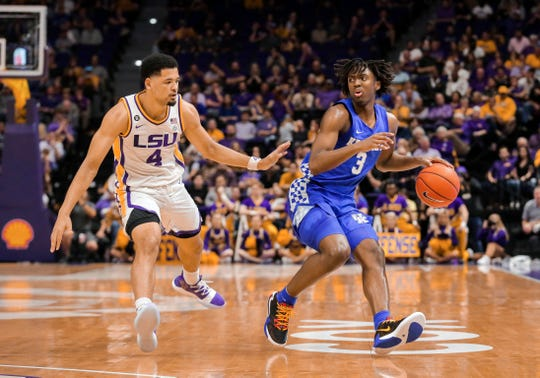 Feb 18, 2020; Baton Rouge, Louisiana, USA; Kentucky Wildcats guard Tyrese Maxey (3) drives against LSU Tigers guard Skylar Mays (4) during the second half at the Maravich Assembly Center. Mandatory Credit: Derick E. Hingle-USA TODAY Sports