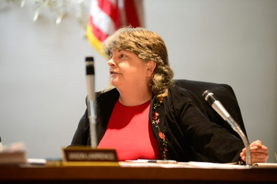 6th Ward Councilwoman Jean Taddie recommended the city reconsider its decision to close Ocie Hill Neighborhood Center.