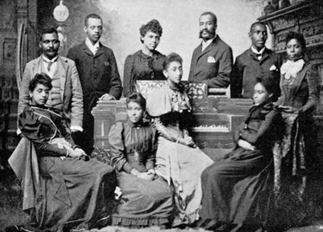 A celebration of negro spirituals will be held Sunday, Feb. 23, by choirs of George Washington Carver High and Booker T. Washington Magnet High.