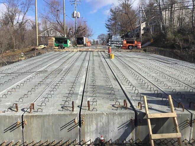 Florence Avenue Bridge construction continues.