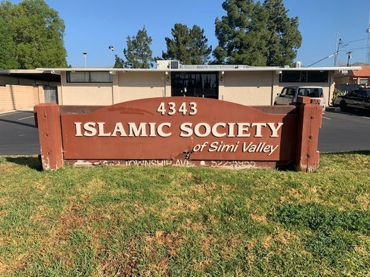 A planned redeveloped mosque in Simi Valley has cleared the first  hurdle in the city approval process.
