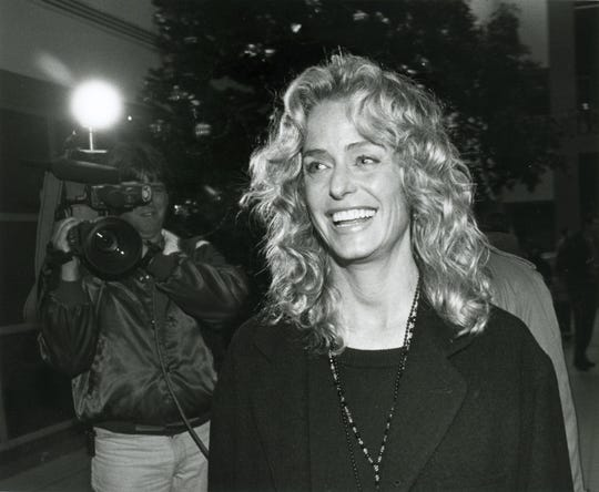Actress and activist Farrah Fawcett made an appearance at Bay Area Medical Center on behalf of the Women's Shelter of the Corpus Christi Area in December 1993.