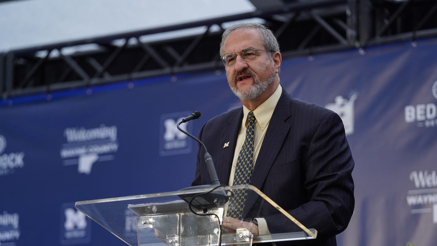 University of Michigan president: No college football in fall if students aren't on campus