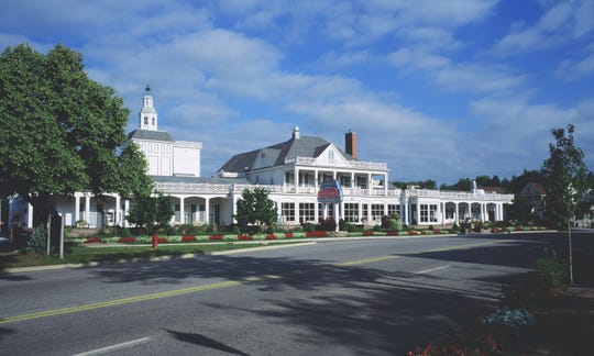 Zehnder's of Frankenmuth restaurant is known for family-style fried chicken dinners.
