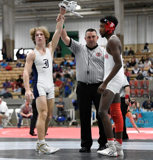 Independence's Tanner Willett defeats Roman Evans of Ooltewah during the TSSAA individual wrestling state championships at Williamson Co. Ag Center Thursday, Feb. 20, 2020 in Franklin, Tenn.