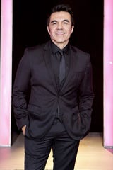 Adrián Uribe protagoniza por primera vez una telenovela.