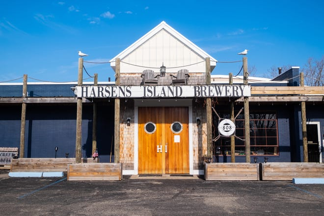 """The owners of Harsens Island Brewery in Marysville are selling it for$425,000 due to an """"investment squabble."""""""