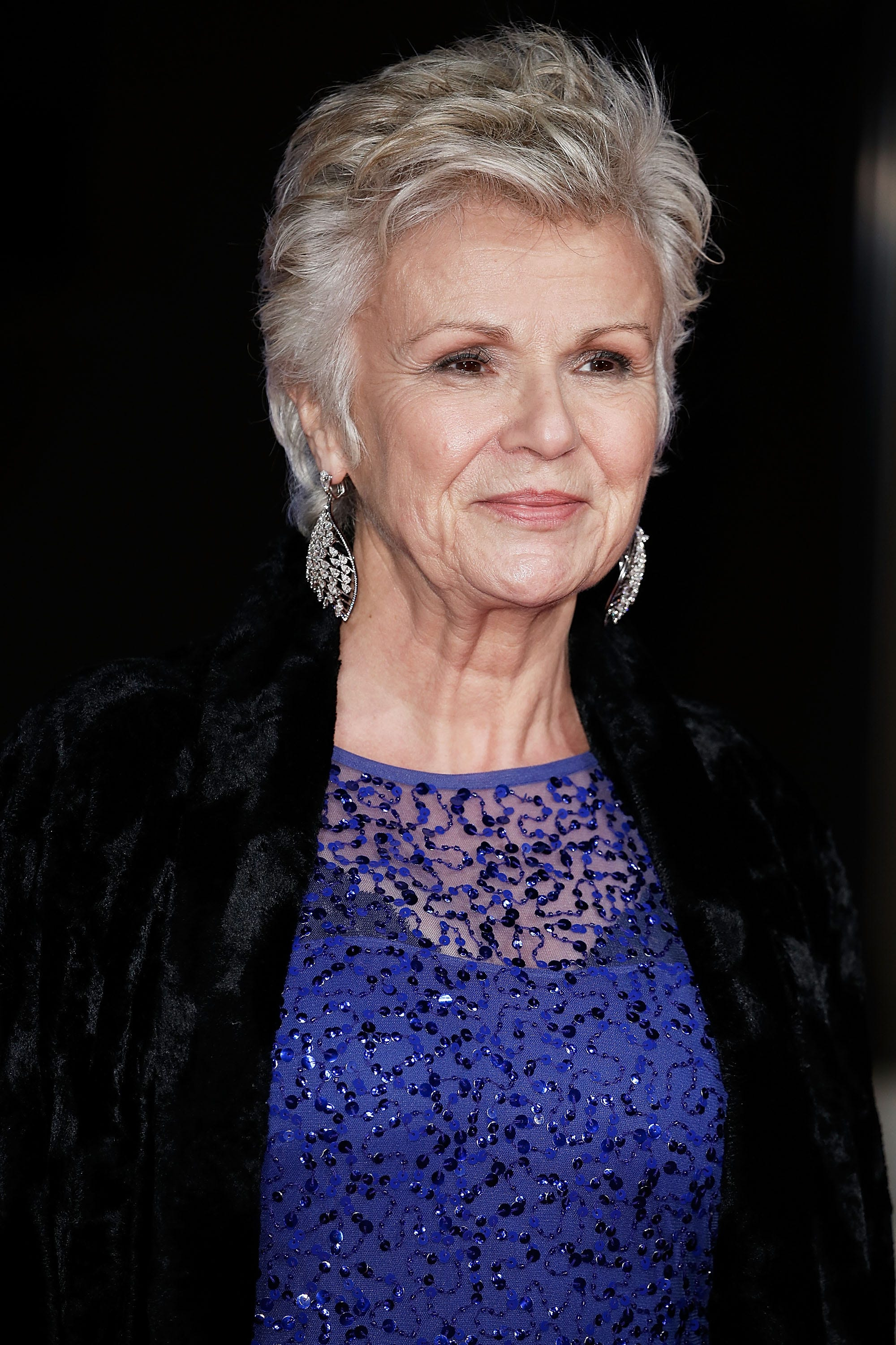Mamma Mia,   Harry Potter  actress Julie Walters reveals battle with stage 3 bowel cancer