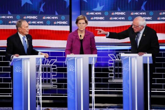 Mike Bloomberg, Elizabeth Warren y Bernie Sanders durante el debate demócrata.