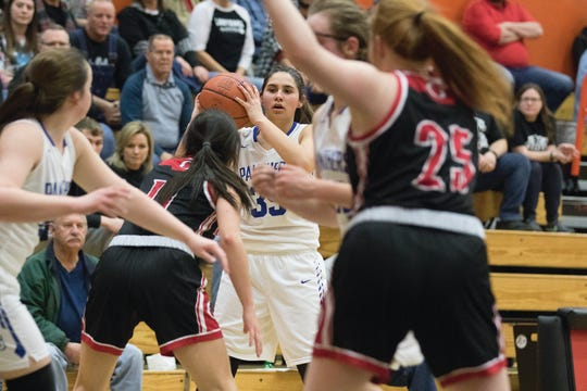 Southeastern's Macie Graves looks to pass during a 58-44 loss to Oak Hill in a D-III district semifinal game on Feb. 20, 2020, in Waverly, Ohio.