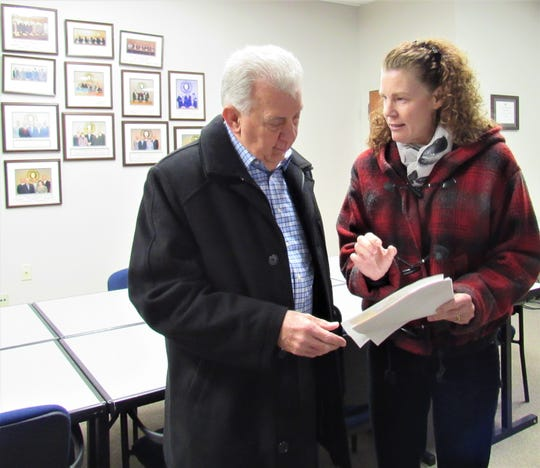 Alderman Ron Pinchok and Vice Mayor Louise Povlin look over updates to the sign ordinance prior to the Planning Commission meeting on Feb. 20. An extensive training session on signs and land use was presented by Mark Shipley.