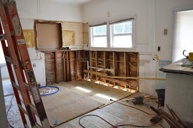A fixer-upper can be a great way to break into the housing market, especially for buyers struggling to find that perfect home in today's competitive market.