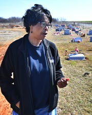 Lawrence WIlliams' family, including his sister Wanda Mergerson say they have been put off or ignored by Eastlawn Memorial Cemetery in their search for Williams' grave.