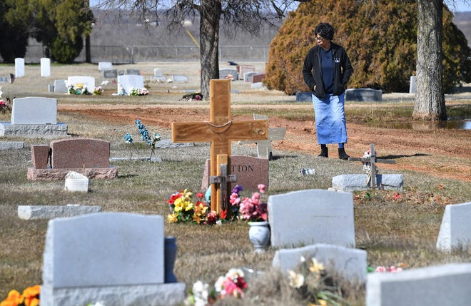 Wanda Mergerson and her family have had a difficult time finding the grave site of her brother, Lawrence WIlliams, who was buried at Eastlawn Memorial Cemetery in February 2019.