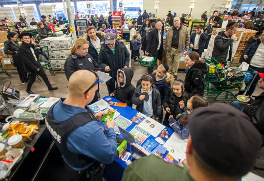Lakewood police stopped by Gourmet Glatt right before Shabbos for a community outreach event on Feb. 21, 2020.