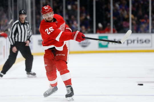 Detroit Red Wings defenseman Mike Green shoots during the first period against the New York Islanders, Friday, Feb. 21, 2020, in Uniondale, N.Y.