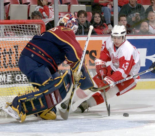 Damian Rhodes played 28 games in net for the Atlanta Thrashers in 1999-2000.