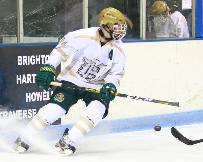 Howell's Brent Wolf scored the winning goal with 2:51 remaining in a 5-3 victory over Saginaw Heritage.
