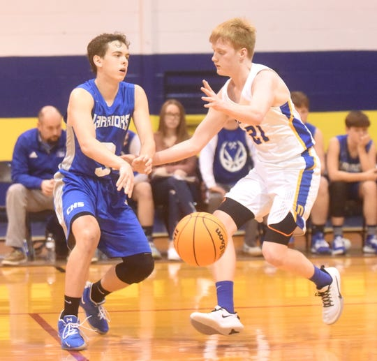 Cotter's Tucker Coots passes during the Warriors' third-place game victory over Decatur.