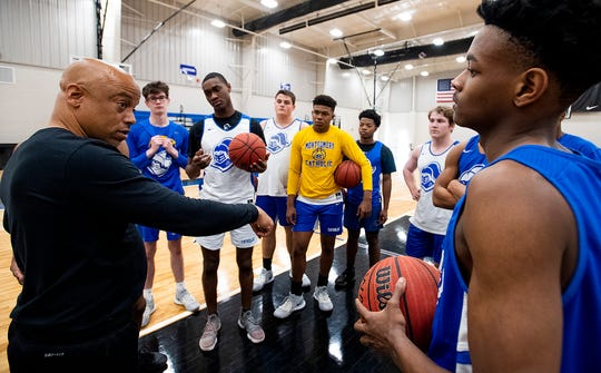 Catholic coach Michael Curry works with his team at Catholic High School in Montgomery, Ala., on Saturday February 22, 2020.