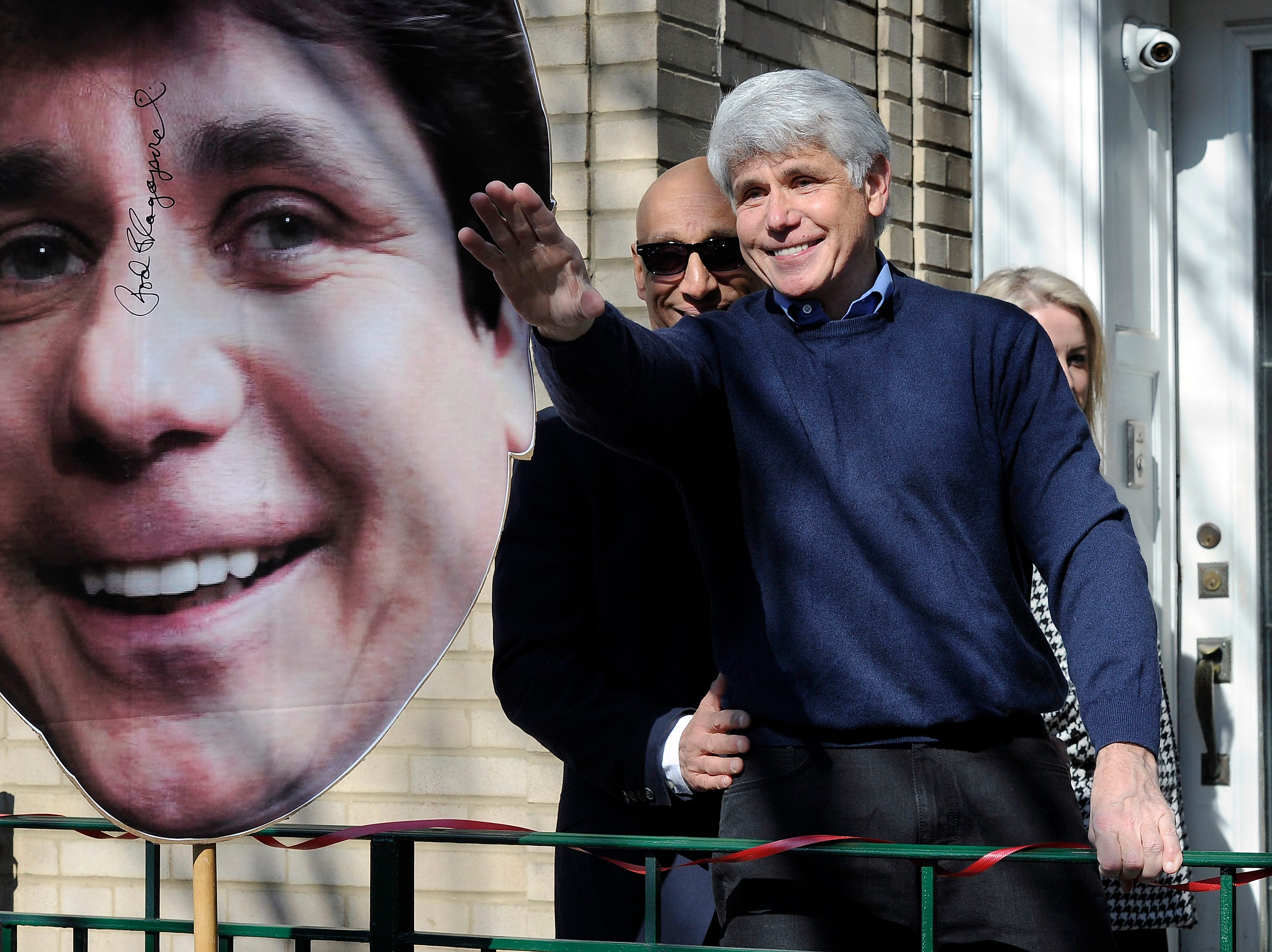 Blagojevich calling himself a political prisoner is  nuts,  Cooper says in heated interview