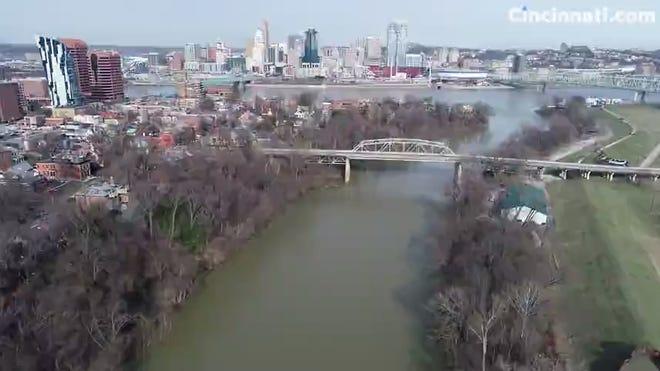 The 4th Street-Veterans Bridge between Covington and Newport is closed.