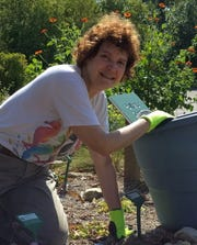 Extension Dane County Horticulture Educator, Lisa Johnson, will teach about the benefits of rain gardens and families of vegetables at the annual Day in the Garden event.