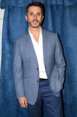 El diputado y actor Sergio Mayer deja clara su postura frente a acusaciones de que su hijo es desobligado.