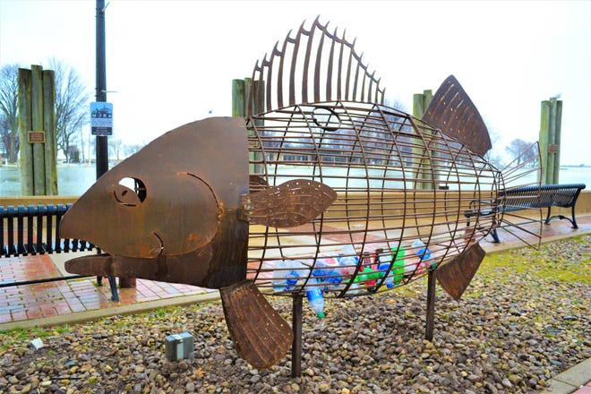 The Port Clinton Area Arts Council and the City of Port Clinton partnered to bring this recycling fish to downtown Port Clinton. The fish was designed by Green Springs Elementary art teach Josh Zetzer and fabricated by Cody Gabel of Gabel Welding.