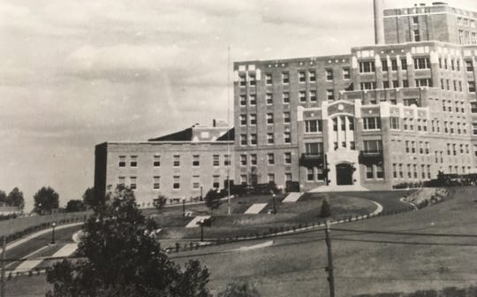 This 1940s-era photo of the front of York Hospital shows the flights of steps leading from the entrance down the hill to the street. Today the hill is home to a multi-story parking garage.