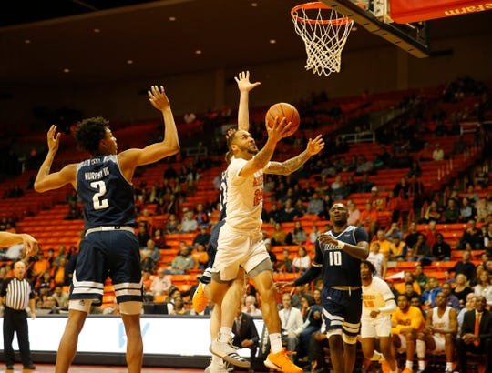 Daryl Edwards goes for two of his 34 points Saturday against Rice at the Don Haskins Center