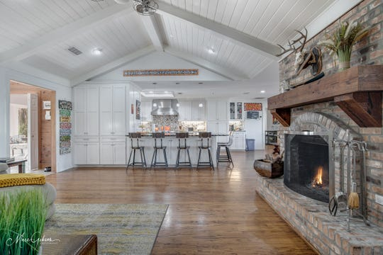 The open floor plan allows for easy entertaining, and the kitchen and living space provide comfortable living.