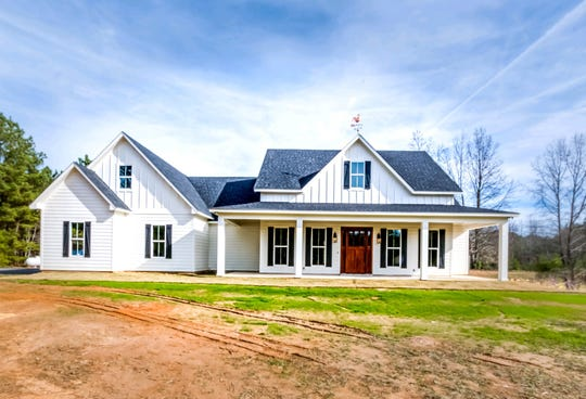 Rising Sun, a new house owned by Jeff and Kris Anglin Barney will be  on the 12-stop  Jonquil Juiblee Home & Garden Tour, Gibsland, March 7.
